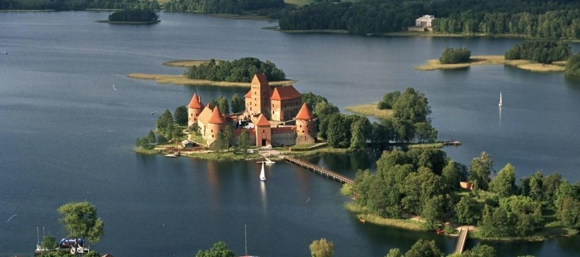 Discover the best dive centers in Lithuania