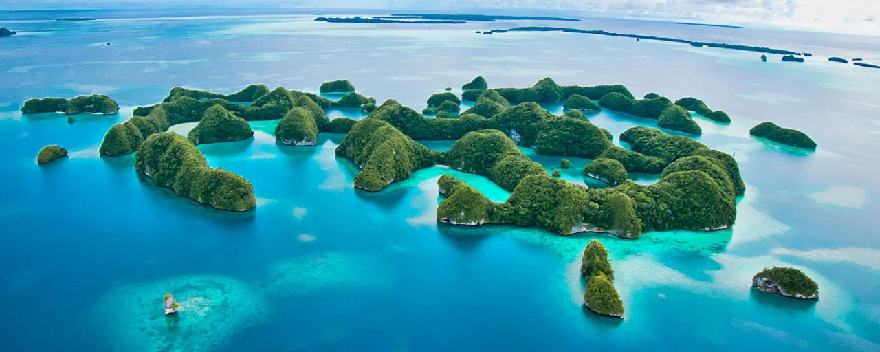 Discover the best dive centers in Truk / Micronesia