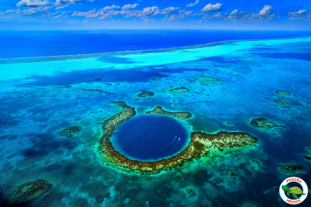 Blue-Hole-Belize.jpg